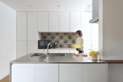 2F kitchen yoko.jpg
