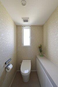 2F toilet.jpg