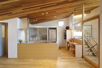 5_3_W350_kitchen.jpg
